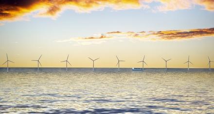 Europa aumenta el número de parques de aerogeneradores en el mar