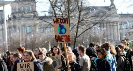 A las protestas de estudiantes belgas se suman los escolares británicos y alemanes