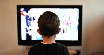 Argentina: La industria alimenticia autorregulará la publicidad dirigida a chicos