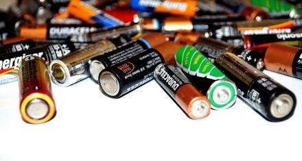 Bruselas: Endurecen la regulación de eficiencia energética para las baterías externas