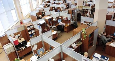 Mujeres en el trabajo: Subir el termostato en la oficina mejoraría su productividad