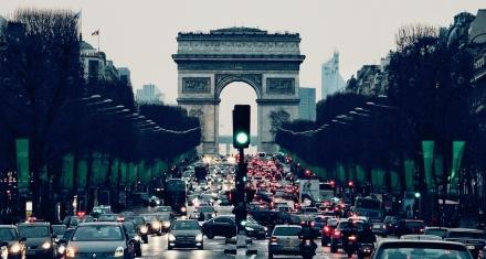 Europa acuerda reducir las emisiones de CO2 en automóviles para 2030