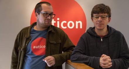 Estados Unidos: Una empresa prima la contratación de personas con autismo