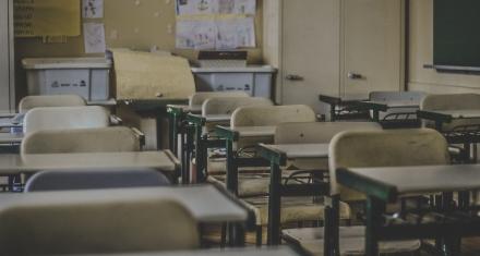 Se deben reabrir las escuelas de manera segura para controlar la transmisión comunitaria de coronavirus