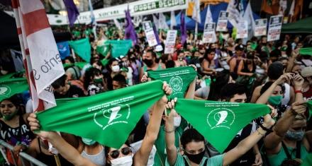 Los presidenciables en Chile toman postura en la despenalización del aborto
