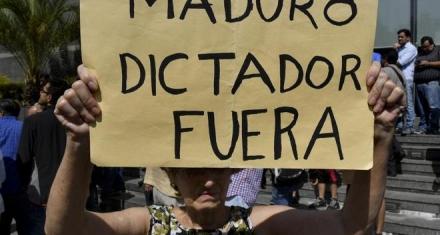 La comunidad internacional sigue apoyando al parlamente venezolano