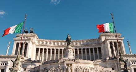 Italia reporta casi 20.000 nuevos casos diarios y se acerca a los 3 millones