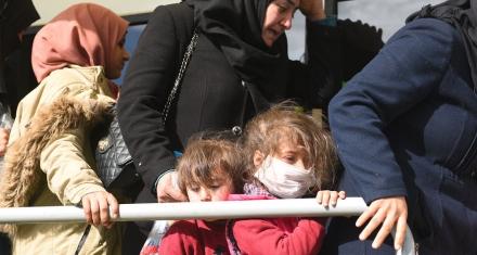 Cómo solventar la crisis de refugiados y migrantes durante la pandemia