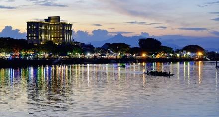 El presidente de Indonesia quiere vehículos eléctricos y autónomos en la nueva capital del país