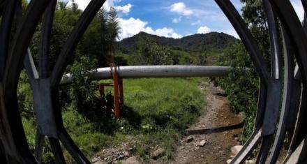 Perú: 8 mil barriles de petróleo vertidos en la Amazonía por un atentado