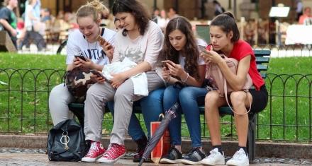 Argentina: La mitad de los adolescentes vivió una situación negativa en las redes