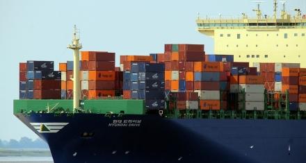 En España los buques emiten más CO2 que los coches de las 30 ciudades principales