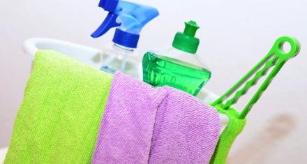 Los productos de limpieza contaminan más que los coches