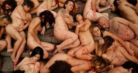En Barcelona, activistas se desnudaron en contra del uso de pieles animales