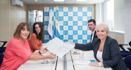 Argentina: El Enacom asigna fondos al Instituto de las Mujeres