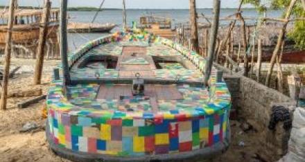 Kenia: Primer barco fabricado 100% con desechos plásticos