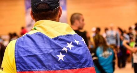 Brasil dejará ayuda humanitaria en la frontera para que los venezolanos la recojan