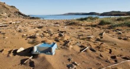 250 mil restos de basura por kilómetro cuadrado por día en las playas del Mediterráneo