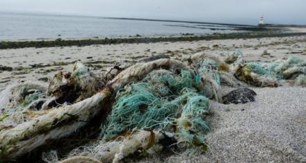 El plástico representa el 95% de los residuos que flotan en el Mediterráneo