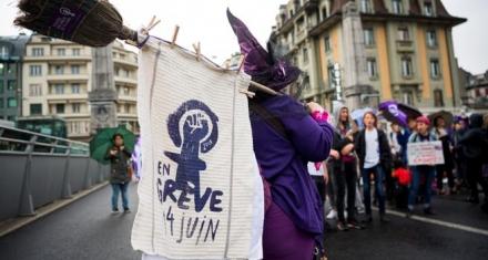 Suiza: Las mujeres toman las calles exigiendo igualdad y respeto