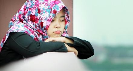 """La cadena Marks & Spencer vende """"hijabs"""" como uniforme escolar"""