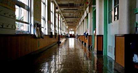 Italia continúa la reapertura de escuelas secundarias en otras cuatro regiones