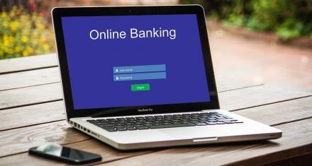 Avance tecnológico y una ola de despidos en la banca mexicana