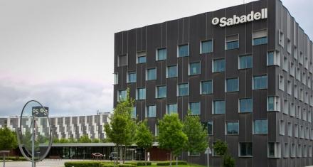 Banco español logró reducir 15 toneladas de uso de papel