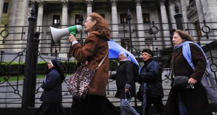 Organizaciones Pro Vida acompañaran al debate haciendo ecografías en la marcha