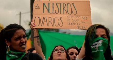 Una experta de la ONU dice que Ecuador debe liberar a las mujeres acusadas de aborto