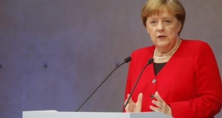 Merkel se sumaría al reto de