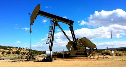 Francia denuncia a la petrolera Total por inacción ante la crisis climática