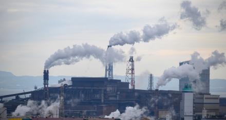 Biden revertirá la orden de Trump que rebajó los estándares contra la contaminación