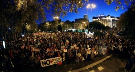 Miles de personas en la marcha por el clima en Madrid