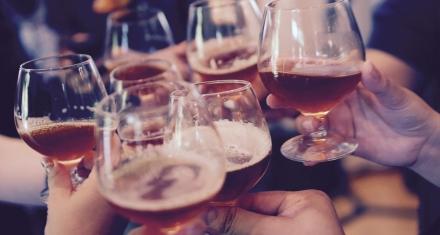 El consumo de bebidas alcohólicas en adolescentes afecta la formación del sistema nervioso
