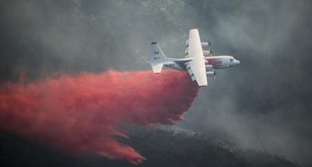 Australia: Mueren tres bomberos en un accidente de avión mientras luchaban contra los incendios