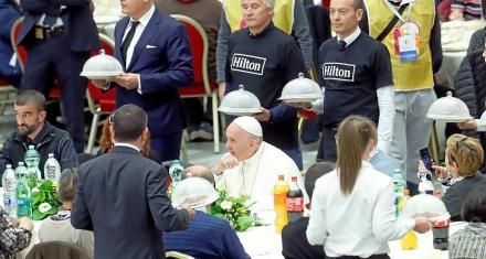 """El Papa Francisco pide escuchar """"el grito de los pobres"""""""