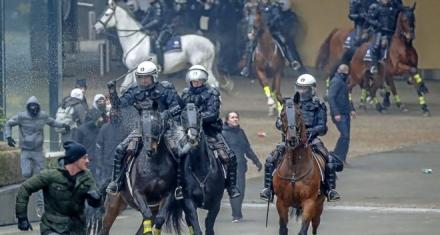 Manifestación en Bruselas contra el pacto de la ONU sobre migración