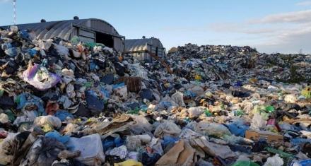 La ciudad de Dolores está tapada de basura