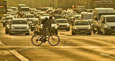 El constante ruido del tráfico aumenta el riesgo de padecer obesidad