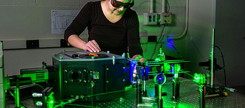 Yulia Pushkar in lab.