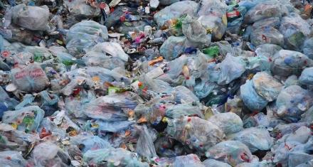 La Unión Europea prohibirá los plásticos de un solo uso para el 2021