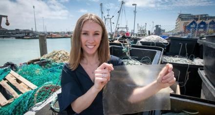 Bioplástico realizado con desechos de pescado