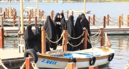 Saudi women no longer need a man's permission to travel