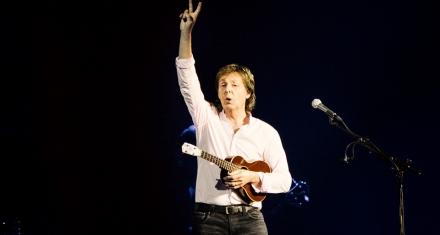 Paul McCartney confronta con una canción a líderes mundiales que niegan el cambio climático
