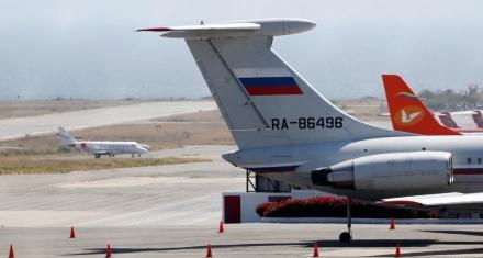 Venezuela: Dos aviones rusos con militares abordo aterrizan en Caracas