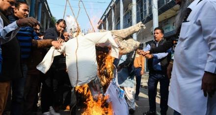 India: Prendieron fuego a una víctima de violación