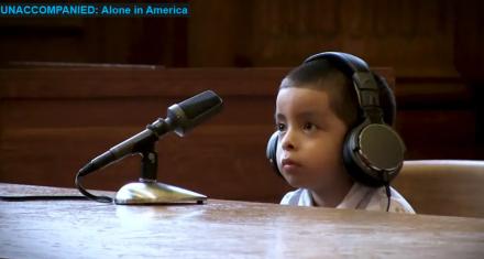 El video que retrata a los niños deportados de EEUU compareciendo ante el tribunal