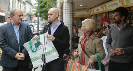 El 1º de enero los supermercados no darán más bolsas plásticas