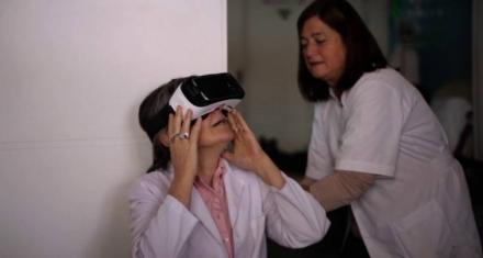 Usan la realidad virtual para ayudar a los pacientes con cáncer